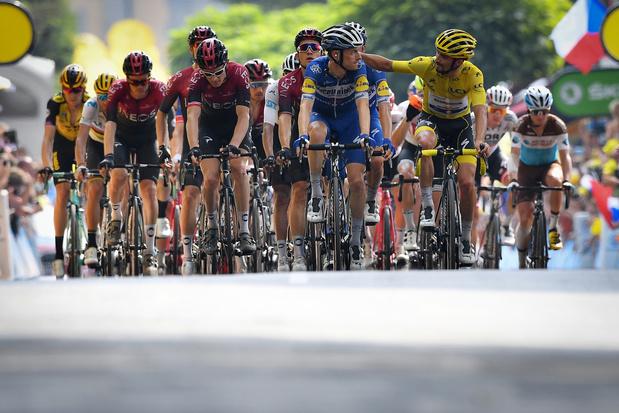 Le Tour de France à l'assaut des trois géants des Alpes