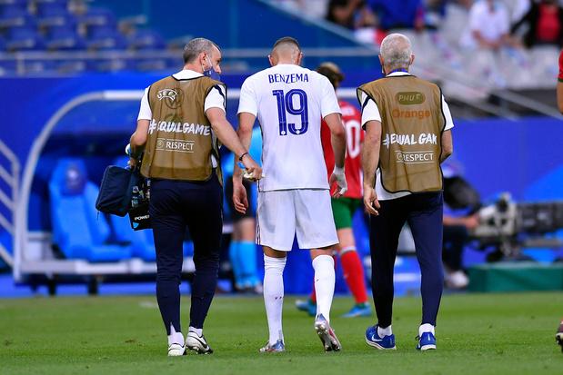 Franse bondscoach Deschamps over blessure Benzema: 'Er zijn ergere dingen in het leven'