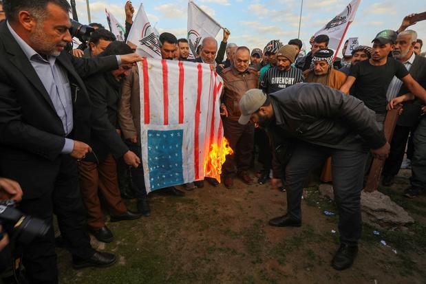 Des manifestants attaquent l'ambassade américaine à Bagdad