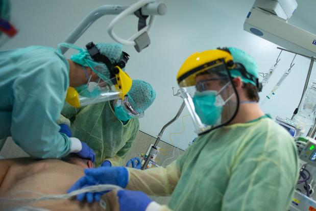Minimale invasieve autopsie om doodsoorzaken covid-19-patiënten te achterhalen