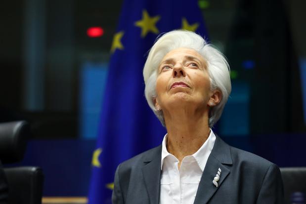 La BCE abaisse sa prévision 2020 de croissance, relève celle de l'inflation