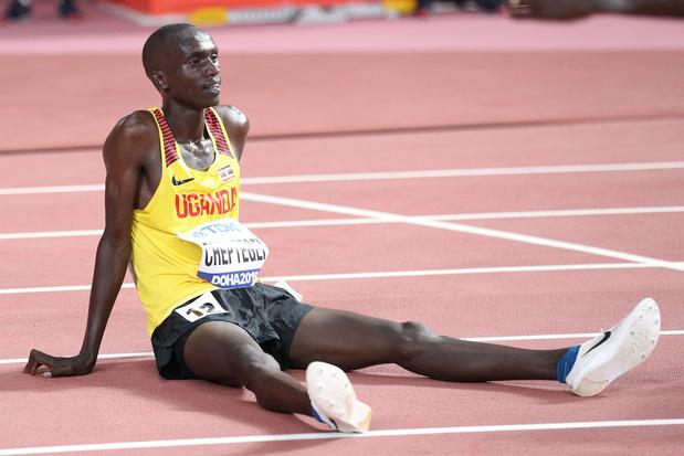 Joshua Cheptegei breekt wereldrecord op 5000 meter: 12:35.36