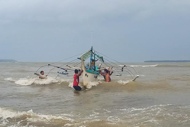 Philippines: des dizaines de milliers de personnes fuient le typhon Kammuri