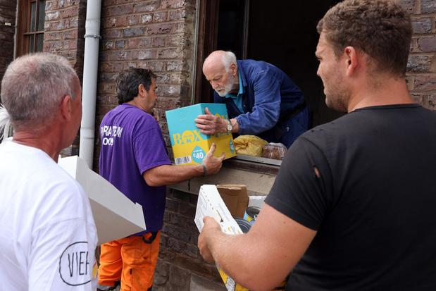 """Inondations: """"La Croix-Rouge a reçu beaucoup de dons et ne fait pas grand-chose"""""""