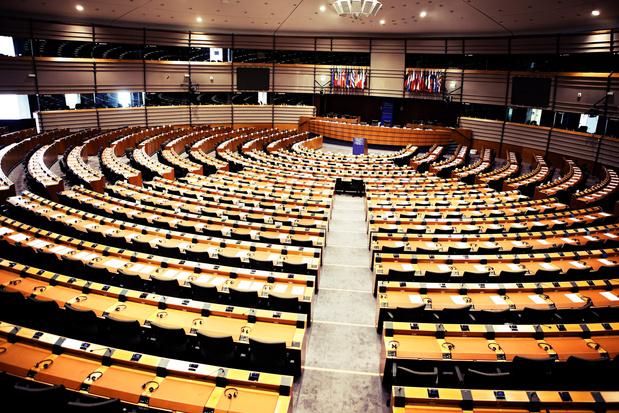 Bruxelles-Strasbourg: la plupart des 120 voitures du Parlement font le trajet à vide