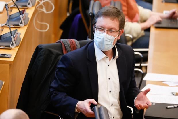 """Un label """"covid safe"""" en Wallonie? Le cdH dépose une résolution au parlement"""