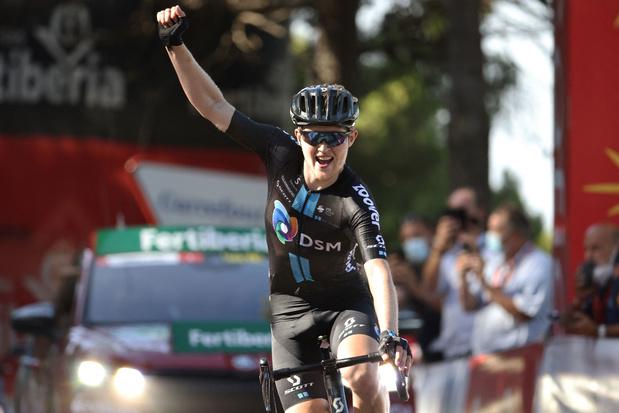 Michael Storer pakt tweede ritzege in Vuelta, leiderstrui voor Odd Eiking