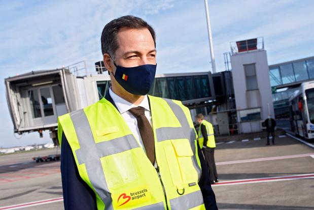 """Visite d'Alexander De Croo à Brussels Airport: situation """"dramatique"""" du secteur aérien"""