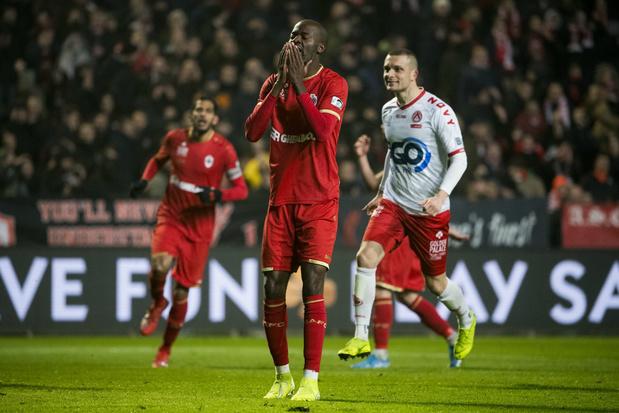 Antwerp speelt na penaltymisser van Lamkel Zé gelijk tegen KV Kortrijk
