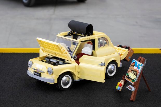Construire sa Fiat 500 pour passer le temps