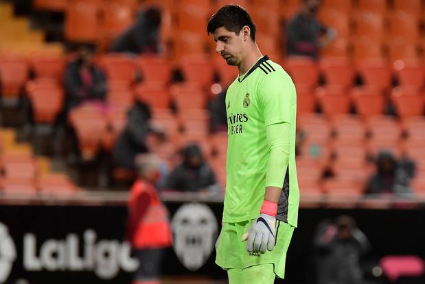 """Courtois veut vite oublier la défaite du Real à Valence: """"Être forts mentalement"""""""