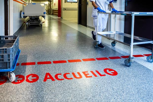 Covid en Belgique: les admissions à l'hôpital en légère diminution (infographies)