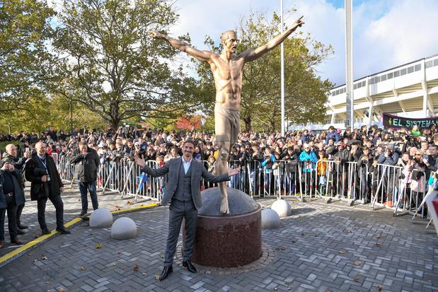 Zlatan inaugure une statue à son effigie en Suède