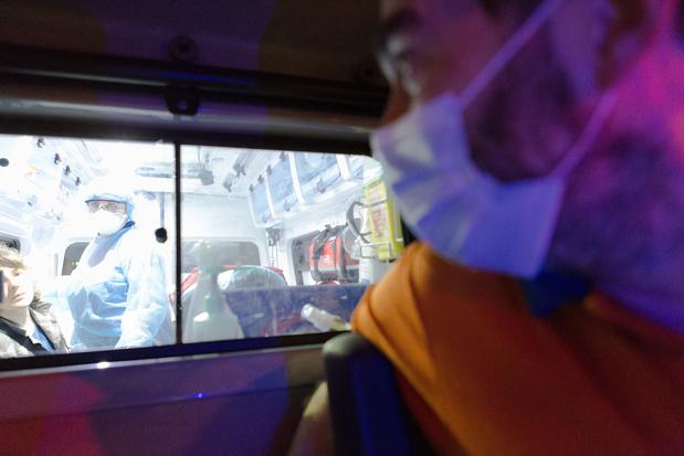 Hospitalisations et personnes en soins intensifs au plus haut depuis la mi-juin