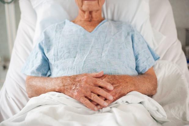 Un quart des personnes de plus de 65 ans atteintes de maladies chroniques sont hospitalisées