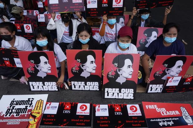 Des manifestations violemment dispersées en Birmanie: trois morts selon des médias