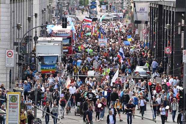 "Protestations des ""anticorona"" en Europe contre la ""tyrannie médicale"""
