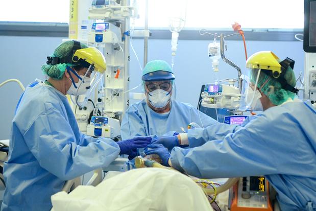 Coronavirus: la France et l'Italie annoncent des chiffres en baisse