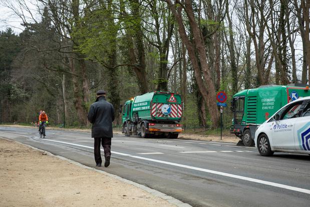 La police sécurise les entrées au parc du Cinquantenaire et au bois de la Cambre