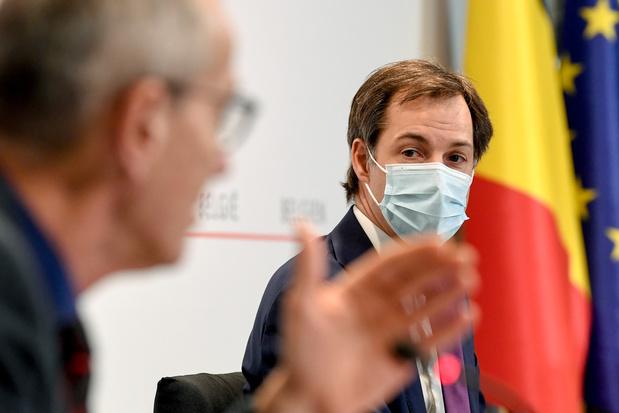"""Coiffeurs, Horeca, voyages, """"modèle belge"""": tout ce qu'il faut retenir du Comité de concertation"""