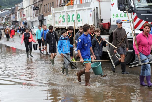 Une rentrée impossible pour certaines écoles à cause des inondations: quelles solutions?