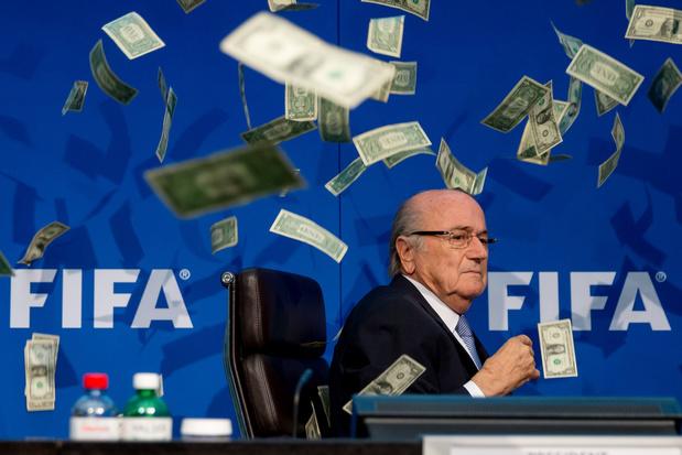 Zwitsers gerecht opent nieuw onderzoek naar Blatter