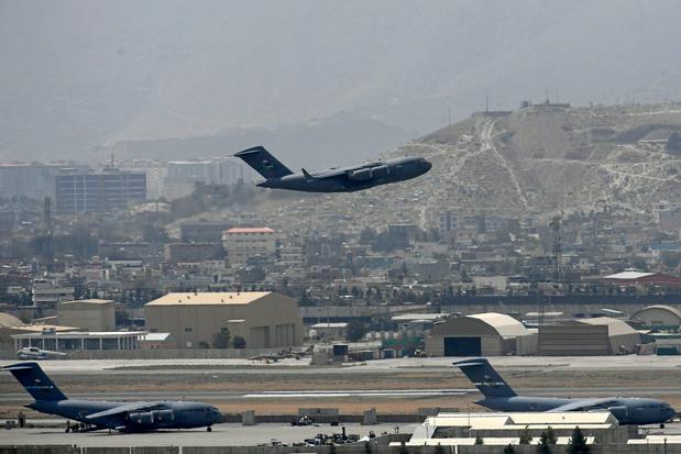 """Les menaces visant l'aéroport de Kaboul restent """"réelles"""" et """"précises"""""""