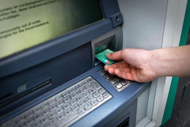Groen: 'Norm van geldautomaat binnen straal van 5 kilometer werkt niet in België'