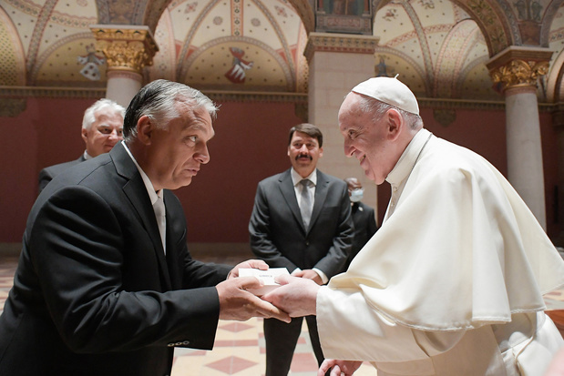 """Sur les terres d'Orban, le pape appelle à être """"ouverts"""" aux autres"""