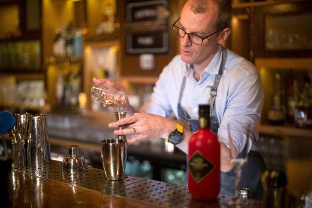 """Le baijiu, un alcool chinois qui souhaite s'exporter, malgré son goût de """"décapant industriel"""""""