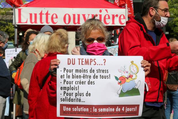 1er Mai: associations et syndicats dans la rue pour dénoncer la gestion de la crise