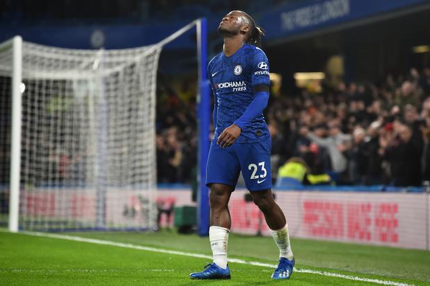 Giroud très frustré par son but refusé — Chelsea