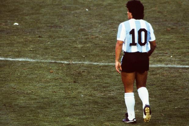 Maradona, les mots s'envolent et le jeu s'en va