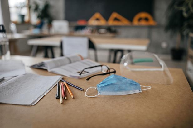 Ligue des familles: les nouvelles mesures de l'enseignement renforcent le besoin de prolonger le chômage corona