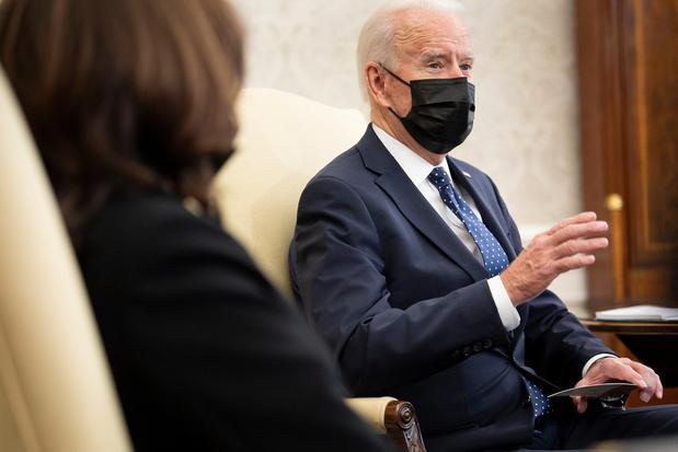 """Meurtre de George Floyd: Biden estime que les preuves sont """"accablantes"""""""