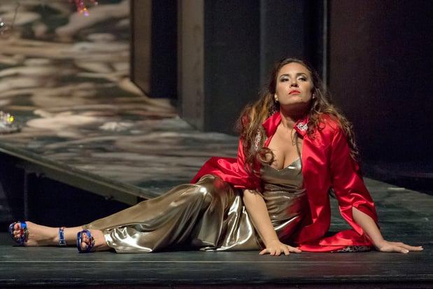 Sopraan Sonya Yoncheva opent de dans