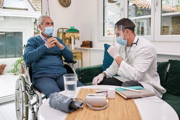 Minstens 16 Vlaamse ziekenhuizen doen mee aan proefproject telemonitoring covidpatiënten