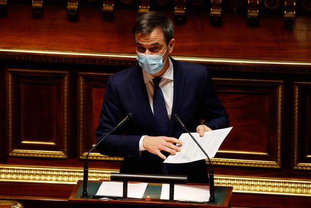 """Covid: en France, les soignants de 50 ans et plus pourront être vaccinés """"dès lundi"""""""