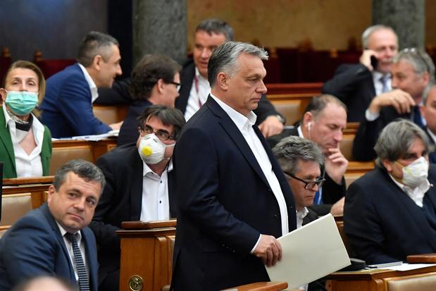"""La Hongrie dictatoriale d'Orban menacée: """"cette fois, ça suffit"""", dit Maxime Prévot"""