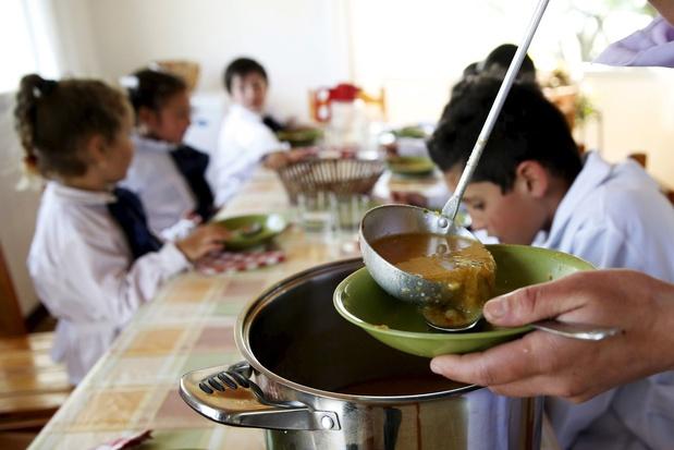 'Met het verdwijnen van het warme middagmaal, verdwijnt de mogelijkheid om ouders en kinderen hulp te bieden'