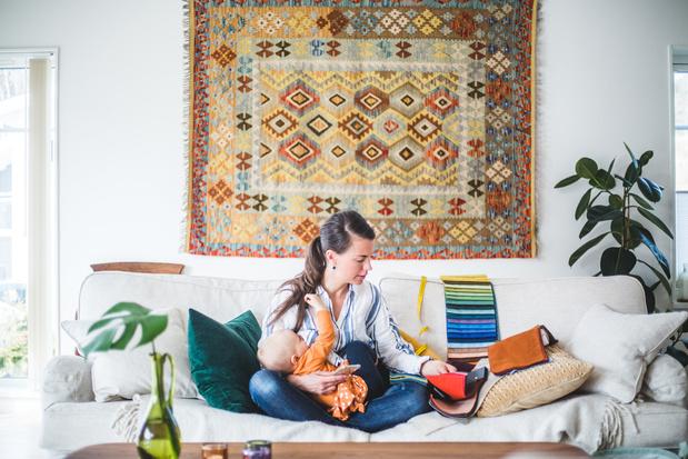 'Lieve juffen en meesters, reduceer moeders niet tot huishoudelijk werk en make-up'