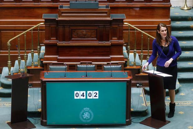 """La Chambre à Sophie Wilmès: """"Le contrat de confiance avec le citoyen doit être valable dans les deux sens"""""""