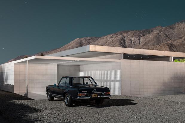 'Carchitecture': een trip langs iconische huizen en de unieke auto's die erbij passen