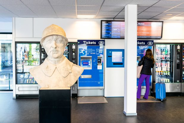 La SNCB va installer des distributeurs de masques en tissu dans 80 gares