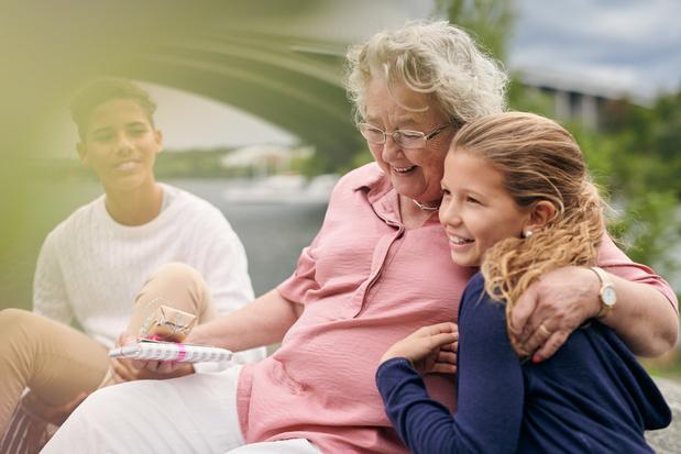 'Oma en opa spelen belangrijke rol in leven van tienerkleinkinderen'