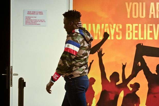 Officiel: le Standard se sépare de Mbaye Leye