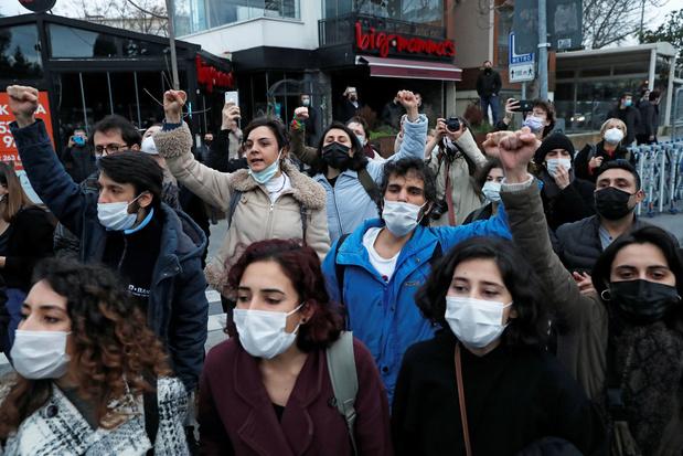 159 arrestaties bij studentenprotest in Istanboel