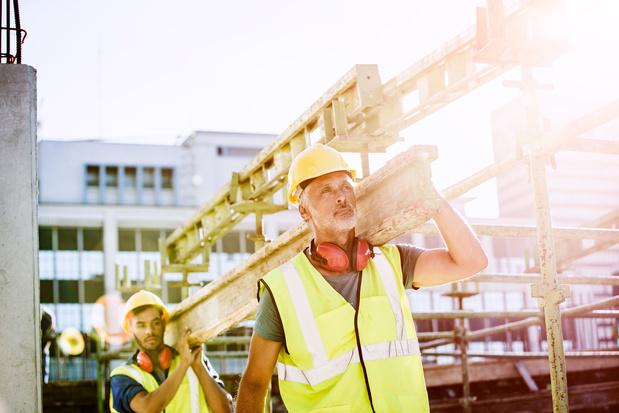 Zonnestraling op het hoofd kan invloed hebben op de productiviteit en de veiligheid