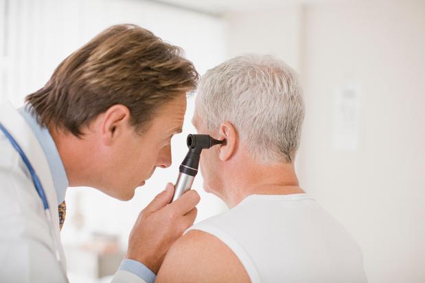 Eerste Vlaamse patiënten kregen in UZ Leuven 'onzichtbaar' gehoorimplantaat