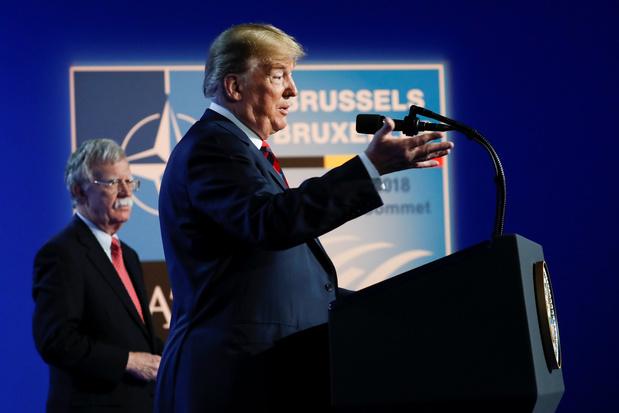 Wat betekent het vertrek van 'opperhavik' John Bolton voor het buitenlandbeleid van Trump?